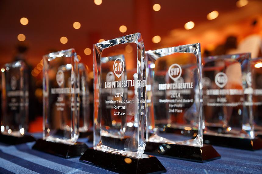 Phát minh evRnu đoạt giải sáng kiến lên tới $140,000 và giải nhất bình chọn của tổ chức SVP Seattle, khuyến khích bạn trẻ gốc Việt đóng góp phát minh dự thi.