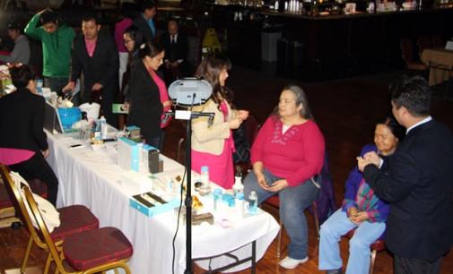 Sinh hoạt hướng dẫn sản phẩm Seacret khách khắp nơi xa gần  và  giới làm Nails -Facials đã về TB Washington.