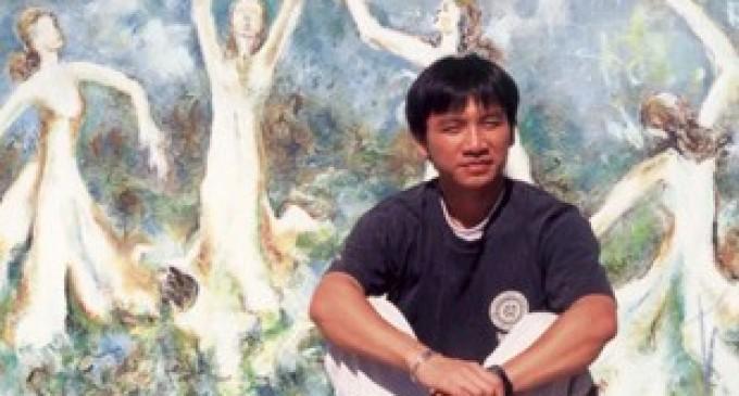 """Linh Mục/Họa Sĩ  Phạm Trung đàm đạo về các tác phẩm """"Rạn Nứt"""" tại  phòng triển lãm Artwest Gallery,"""