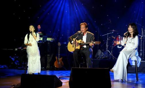 """Ca khúc """"20 Năm Tình Cũ"""" và Nhạc Sĩ Trần Quảng Nam: Hành trình 10, 20 và 30 năm; với mối """"tình cũ""""… 100 năm"""