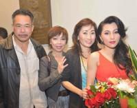 Melanie NgaMy gây ấn tượng với 10 nhạc khúc trữ tình Anh Bằng
