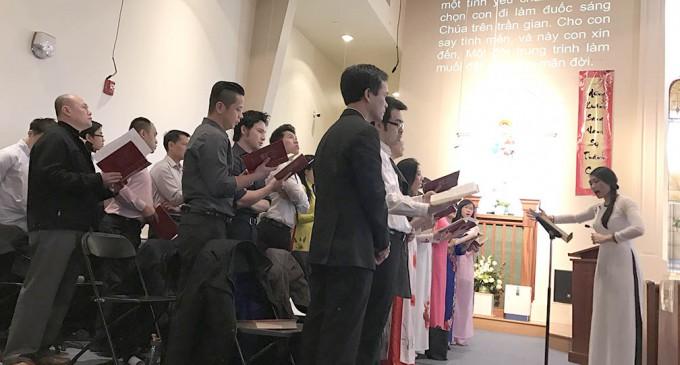 """""""Chắp Cánh Hoa Xuân"""" cùng Ca Đoàn Cécilia với Ca Trưởng Thanh Tuyền"""