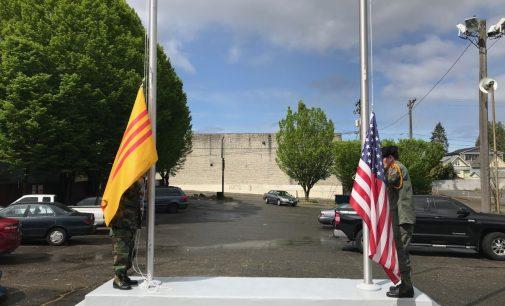 Lễ Treo Cờ Rủ tại Tacoma Tưởng Niệm 45 Năm Quốc Hận
