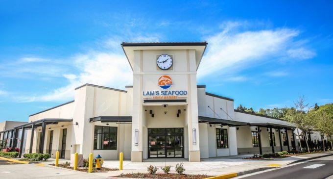 Lam's Seafood đứng vững, mở thêm chi nhánh trong thời dịch COVID-19