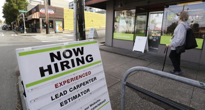 Mức thất nghiệp ở Mỹ giảm trong Tháng Năm, thêm 2.5 triệu việc làm