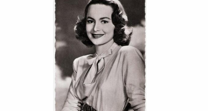 Nữ Minh Tinh Olivia de Havilland Qua Đời Ở Tuổi 104