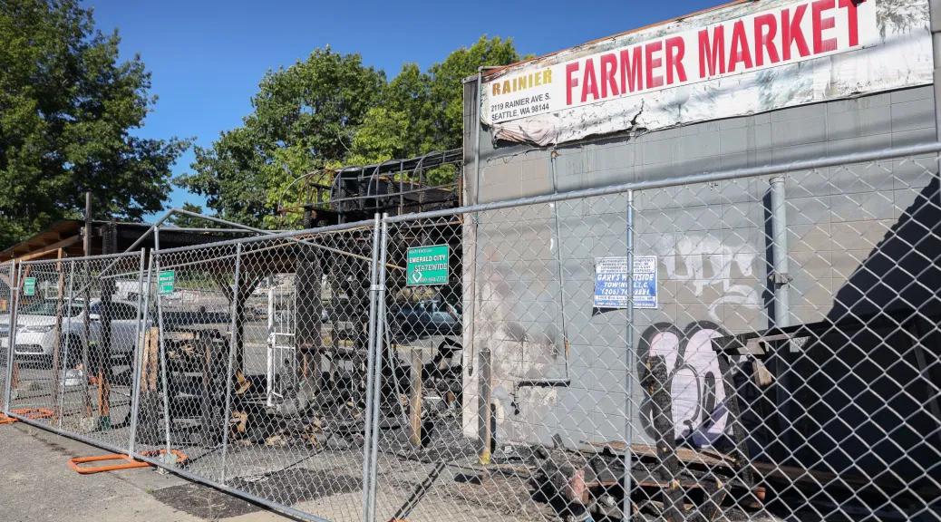 """South Seattle Emerald đã tường thuật và ủng hộ """"Tiệm rau trái đường Rainier Ave S -Seattle"""