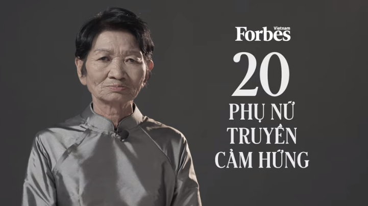 Người phụ nữ bán vé số trở thành nhân vật truyền cảm hứng năm 2021 của Forbes Việt Nam