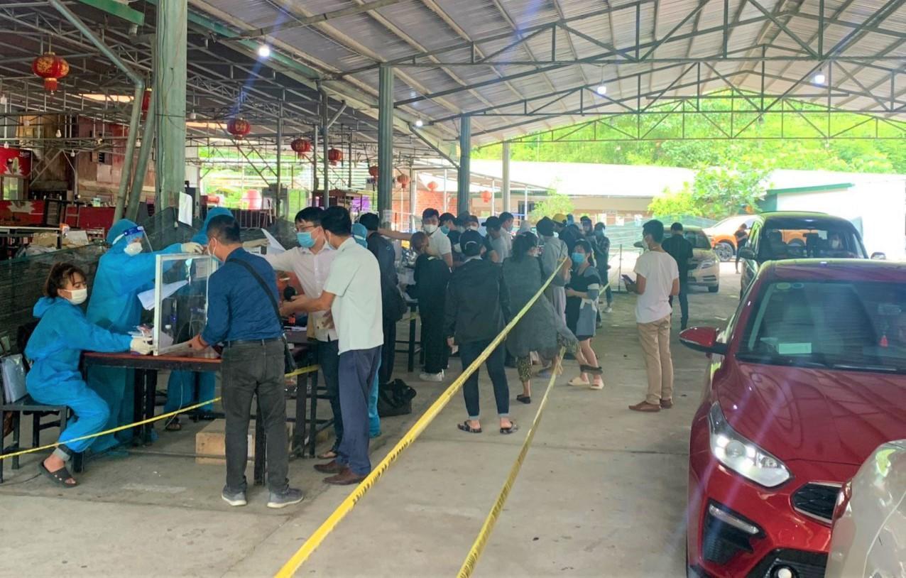 Người dân đổ về Đà Lạt sau loan báo 'không cách ly'